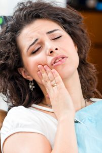 Top reasons for tooth pain from your Plano emergency dentist.